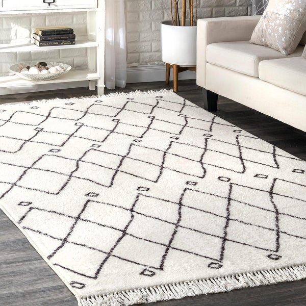 nuLOOM Ivory Contemporary Cabin Diamond Moroccan Tassel Area Rug. Opens flyout.