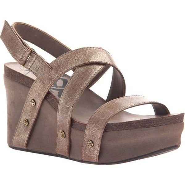 dcd7bf4b9a9b34 Shop OTBT Women s Sail Wedge Sandal Gold Leather - Free Shipping Today -  Overstock - 18013471