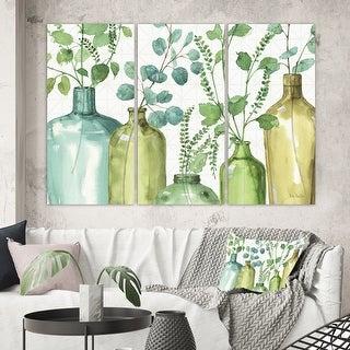 Designart 'Mixed Botanical Green Leaves I0' Cottage  Canvas Wall Art