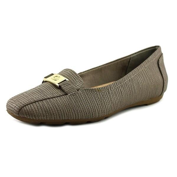 Giani Bernini Jileese Women Brown Loafers