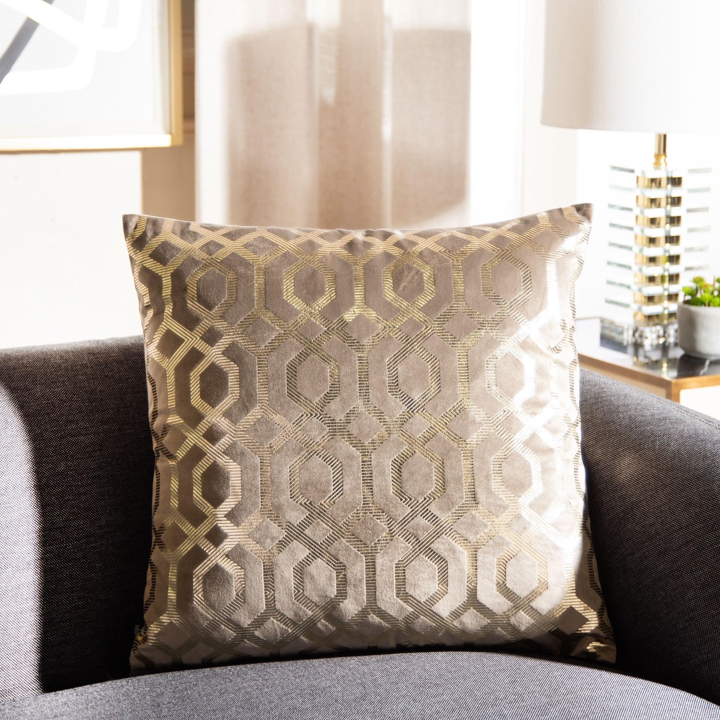 Safavieh Krema 18 Inch Art Deco Decorative Throw Pillow Overstock 30979092