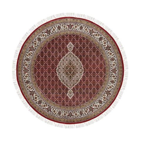 "Shahbanu Rugs Wool And Silk Fish Medallion Design Tabriz Mahi Red Hand Knotted Oriental Round Rug (6'6"" x 6'7"") - 6'6"" x 6'7"""