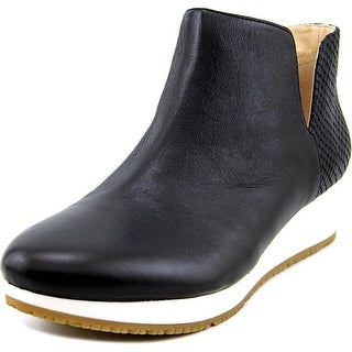 Dr. Scholl's Saraleah Round Toe Leather Bootie