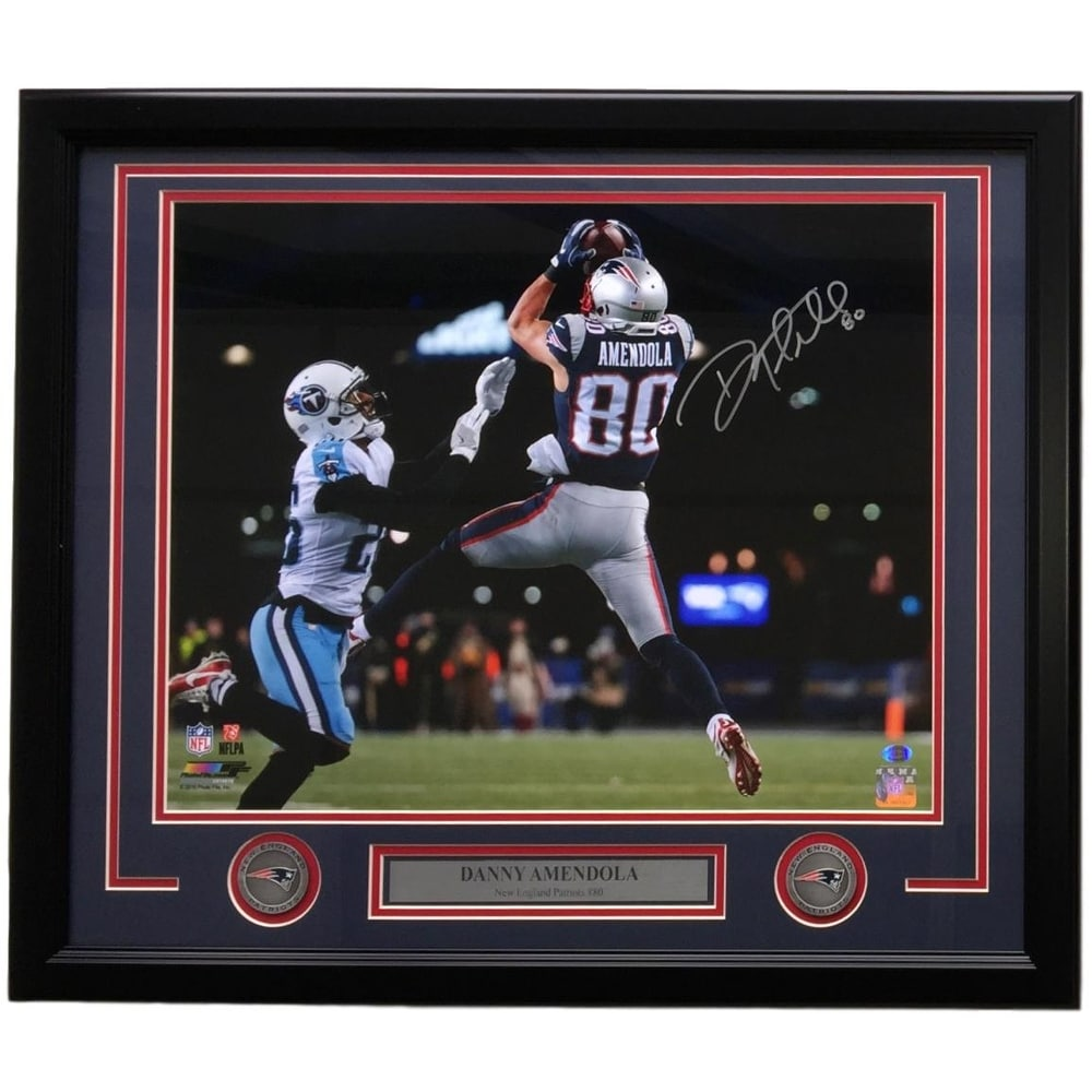 buy online 5608f 6a056 Danny Amendola Signed Framed 16x20 New England Patriots Catch vs Titans SI  COA