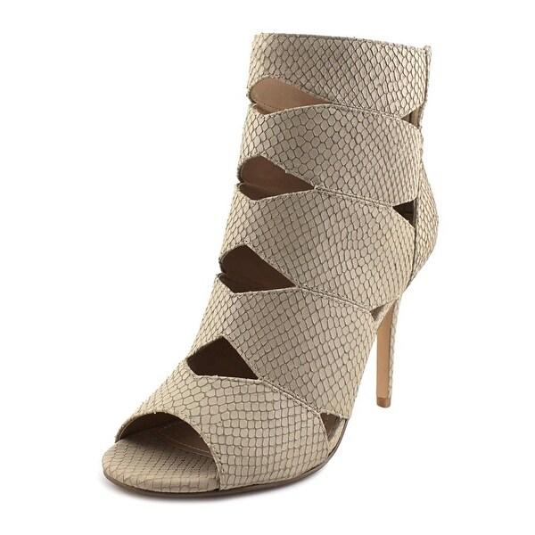 Charles By Charles David Reform Women White Sandals
