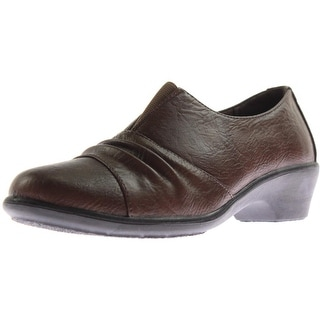 Easy Street Womens Yvette Faux Leather Ruched Casual Shoes
