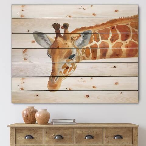 Designart 'Portrait of A Giraffe IX' Farmhouse Print on Natural Pine Wood