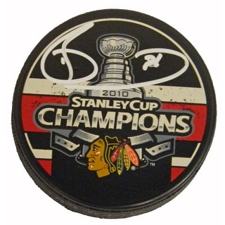 Dave Bolland Signed Blackhawks 2010 Stanley Cup Champs Logo Hockey Puck