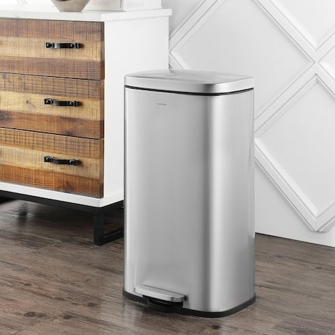 Curtis Step-Open Trash Can