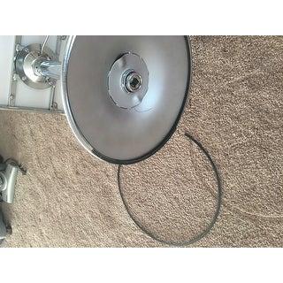 "Safavieh Taronda White Adjustable 24-32-inch Swivel Bar Stool - 16.1"" x 18.5"" x 25.6"""