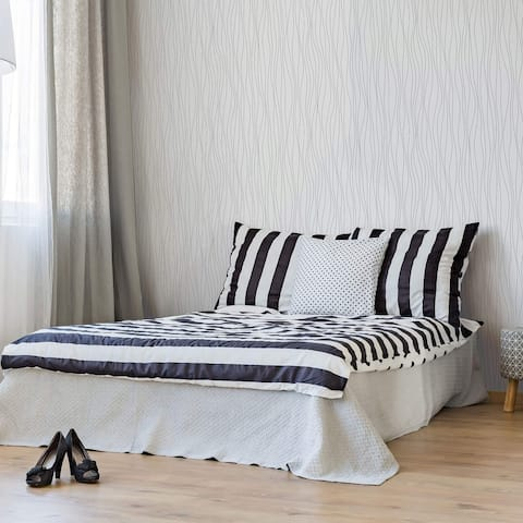 Black Vertical Peel and Stick Removable Wallpaper 6462
