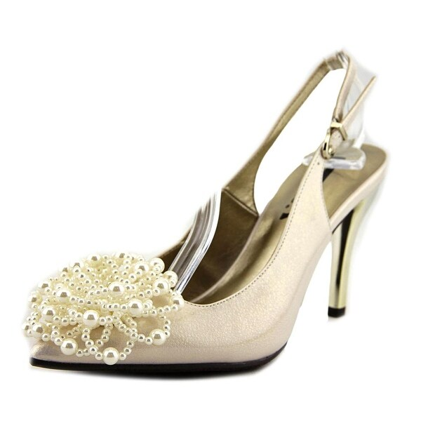 J. Renee Pandani Cream Pumps