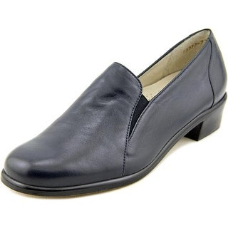 Trotters Bev Women Round Toe Leather Blue Loafer