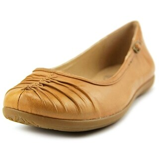 Baretraps Rinn   Round Toe Leather  Flats