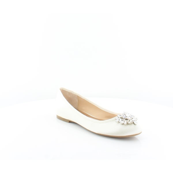 3ccbf1f12 Shop Badgley Mischka Bianca Women's FLATS Ivory - Free Shipping ...