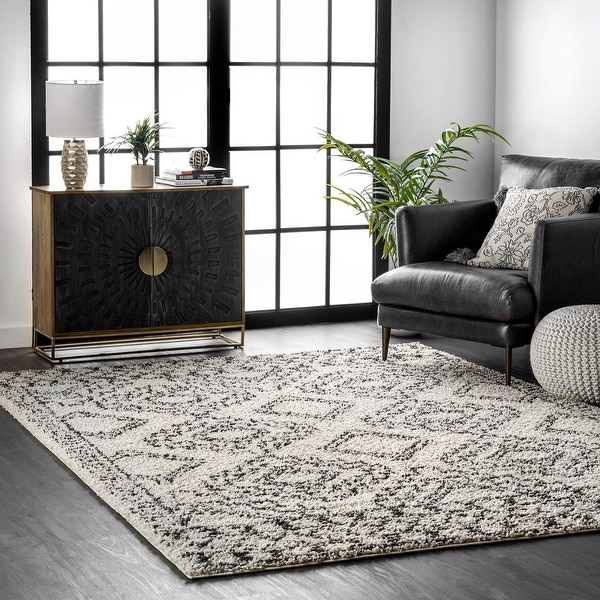 nuLOOM Boho Lacey Moroccan Geometric Soft Shag Area Rug. Opens flyout.