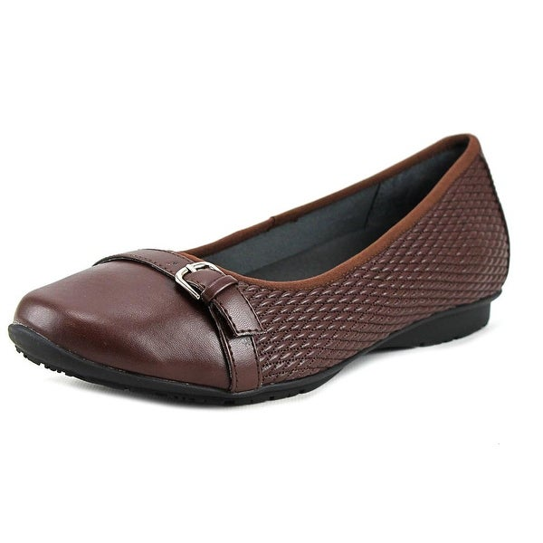 FootSmart Laura  WW Round Toe Synthetic  Flats
