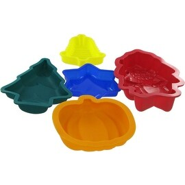 Carefree Kitchen Mini Silicone 5-piece Holiday Bakeware - 5.0 in. x 5.0 in. x 2.0 in.