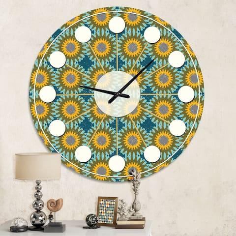 Designart 'Retro Circular Pattern I' Mid-Century wall clock