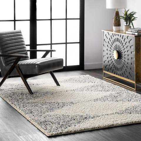 nuLOOM Scarlette Shattered Diamonds Area Rug