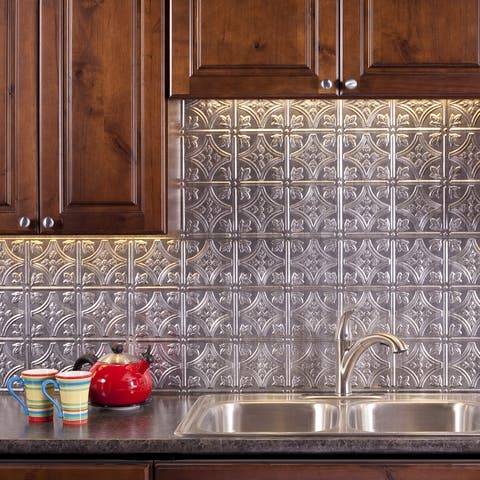 Fasade Traditional Style/Pattern 1 Decorative Vinyl 18in x 24in Backsplash Panel in Crosshatch Silver (5 Pack)