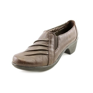 Easy Street Prism Round Toe Synthetic Clogs