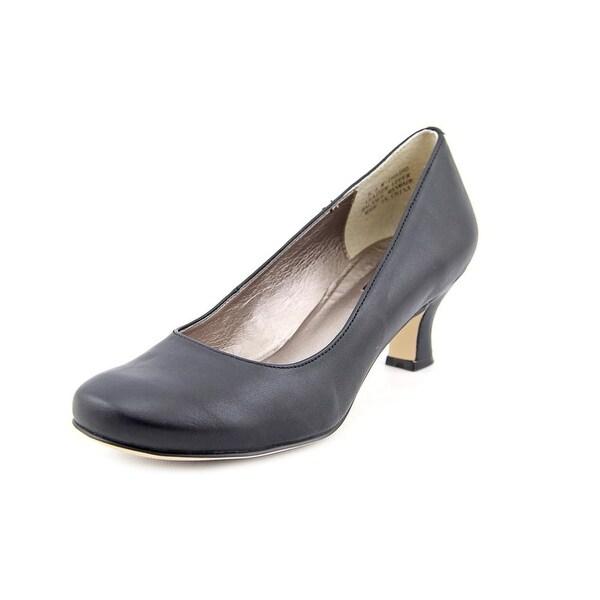 Array Flatter W Round Toe Leather Heels