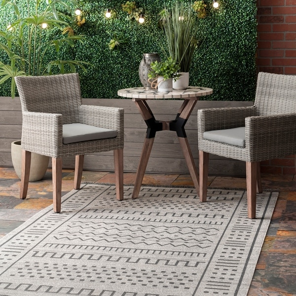 nuLOOM Transitional Native Tribal Indoor/ Outdoor Tassels Area Rug. Opens flyout.