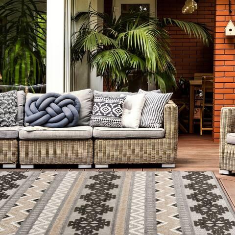 Contemporary Geometric Bohemian Indoor/Outdoor Area Rug
