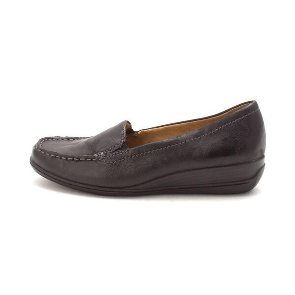 d6ba2e06242 Shop Natural Soul Womens Wilamina Leather Closed Toe Loafers - 8.5 ...