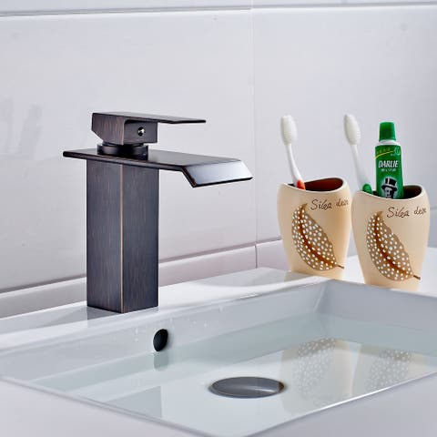 Single Hole Single-Handle Bathroom Faucet in Oil Rubbed Bronze - 2x6x7.7