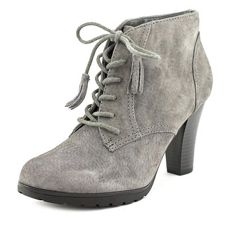 White Mountain Shauna Round Toe Leather Ankle Boot