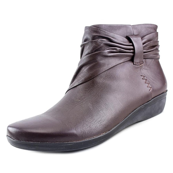 Clarks Narrative Everlay Mandy Women N/S Round Toe Leather Brown Bootie