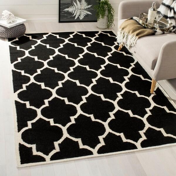 Safavieh Handmade Flatweave Dhurries Sanjuanita Modern Moroccan Wool Rug. Opens flyout.