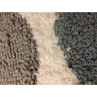 Avanti Dotted Circles White/Blue/Grey Cotton 20 x 30-inch Bath Rug