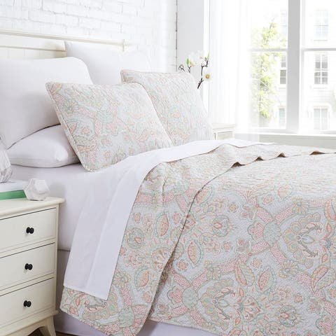 Enchantment Printed Quilt and Coordinating Sham Set