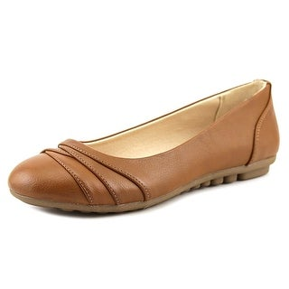 White Mountain Bernice Women Round Toe Leather Brown Flats