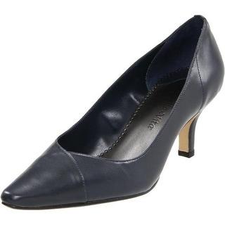 Bella Vita Womens Wow Leather Almond Toe Pumps