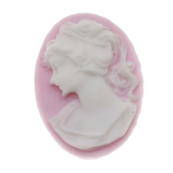 Lucite Oval Cameo Lilac With Lady's Profile Facing Left 18X13mm (4)