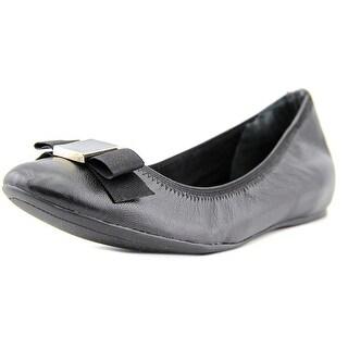 Isaac Mizrahi Dannie Women W Round Toe Leather Ballet Flats