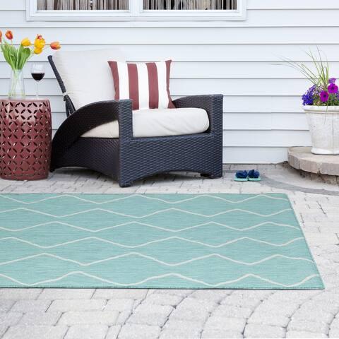 Madison Park Cove Aqua/ White Moroccan Tile Indoor/Outdoor Rug