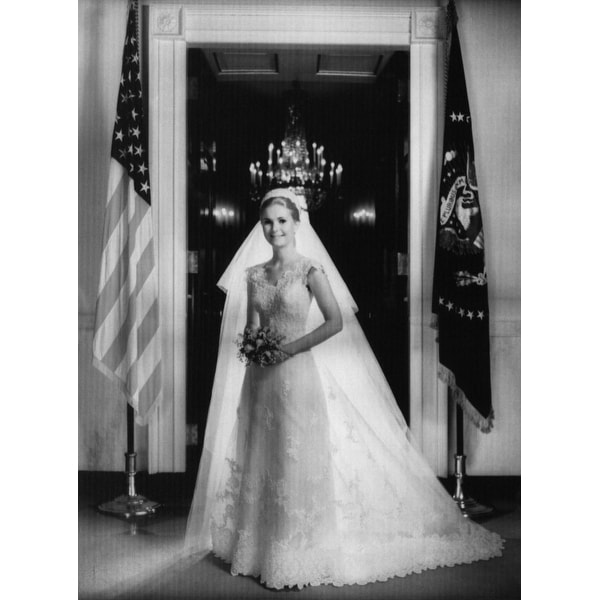 Tricia Nixon Wedding Gown: Shop Nixon Presidency Tricia Nixon Posing In Her Wedding