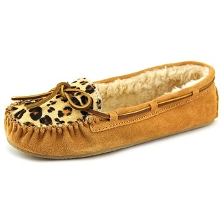 Minnetonka Cally Women Suede Tan Moccasin Slippers Shoes