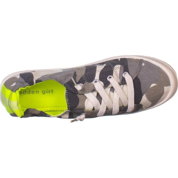 madden girl Baailey Lace Up Sneakers