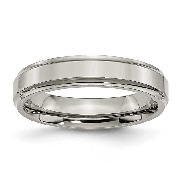 Chisel Ridged Edge Polished Titanium Ring (5.0 mm)