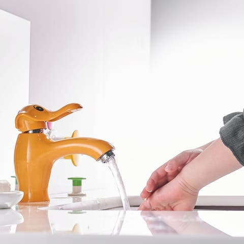 Clihome Cartoon Shape Single Hole Bathroom Faucet Suitable For Children