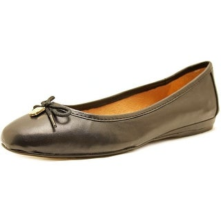 Vince Camuto Ria   Round Toe Leather  Flats