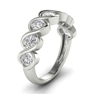 1 05 CT Twisted Classic Seven Stone Channel Round Diamond Ring In 14KT
