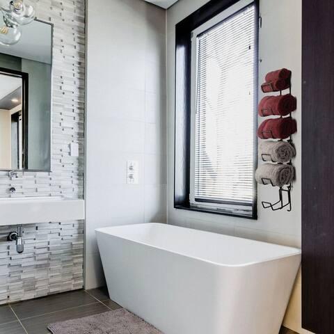 Wallniture Boto Wall Mount Towel Rack, Bathroom Wall Decor (Set of 3)