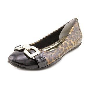 Marc Fisher Charles 3 Women Cap Toe Synthetic Flats